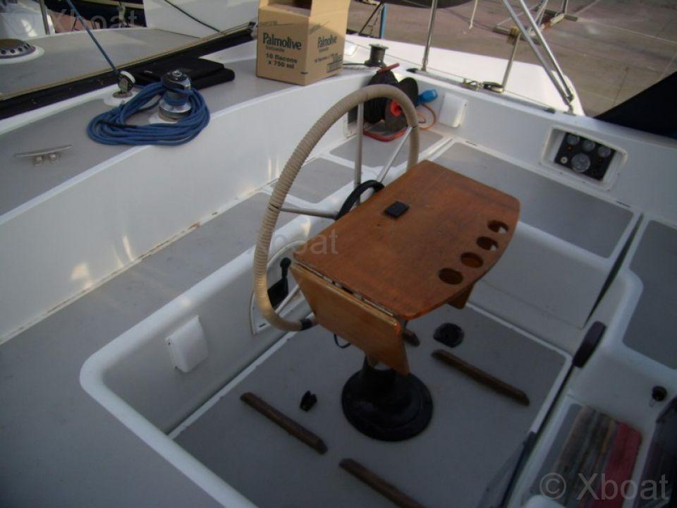 Barco a vela moody moody 39 cc anuncio de barco a vela for General motors moody s rating